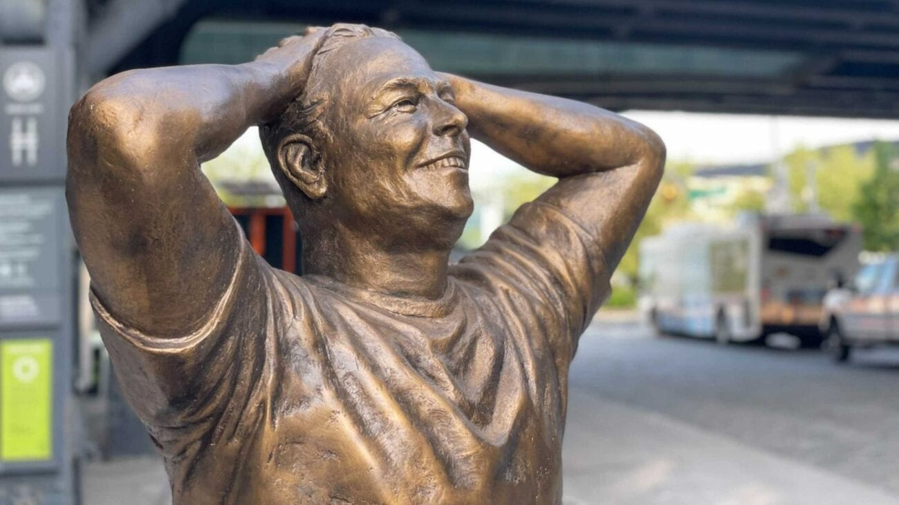 A life-sized bronze statue of billionaire Elon Musk was unveiled to the public in Manhattan. Why do these young New Yorkers want it gone?