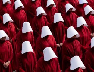 'The Handmaid's Tale' season 4 finale has passed, and fans wonder if Elisabeth Moss will show us a free June, and a farewell to Offred. Let's find out.