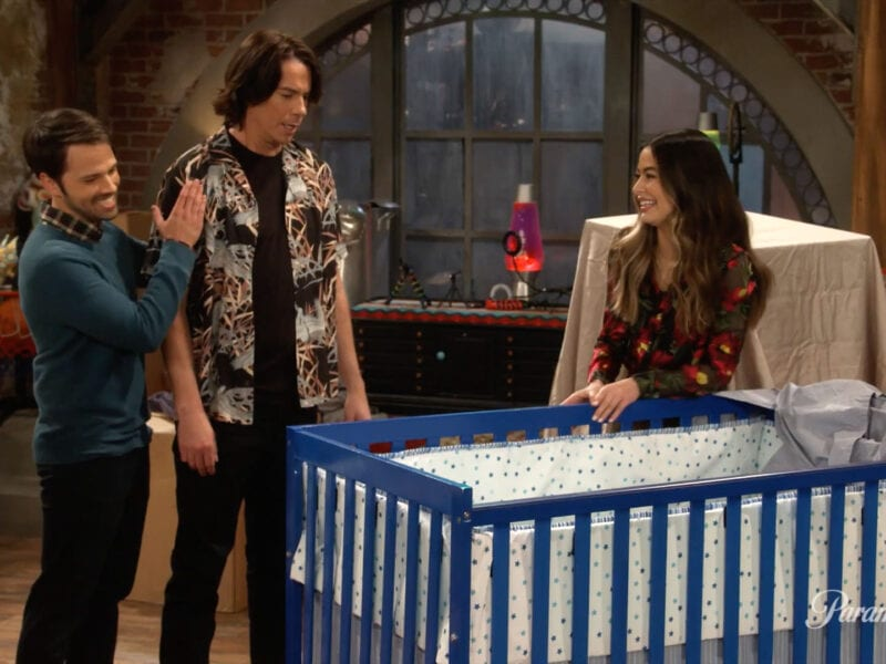 'iCarly' returns in the first trailer for the upcoming reboot. See which beloved characters (and new ones) returned for the show.