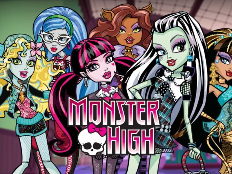 Remember 'Monsters High'? Let's take a look at some of their most iconic characters! Get nostalgic with their wonderful adventures in the town of New Salem.