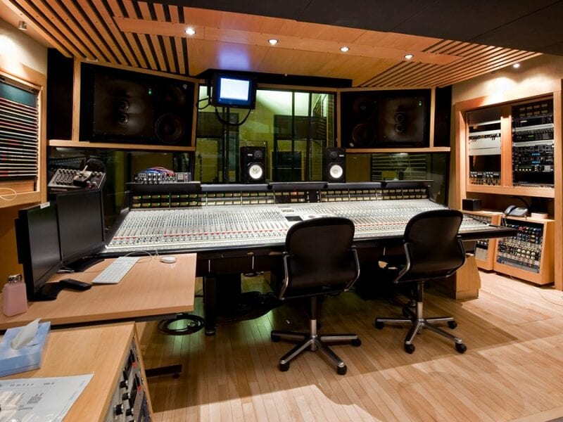 Booking a recording studio can be tough. Here are some essential pointers on how to book the best studio today.