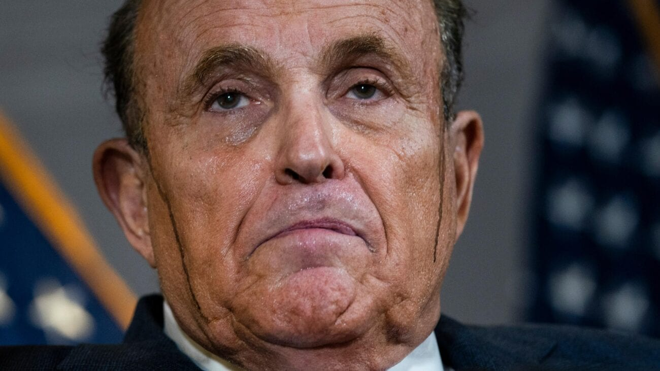 Rudy Giuliani, the ex-mayor of New York seems to keep taking a political tumble. Breaking a sweat there, Rudy? It certainly seems like he's breaking something.