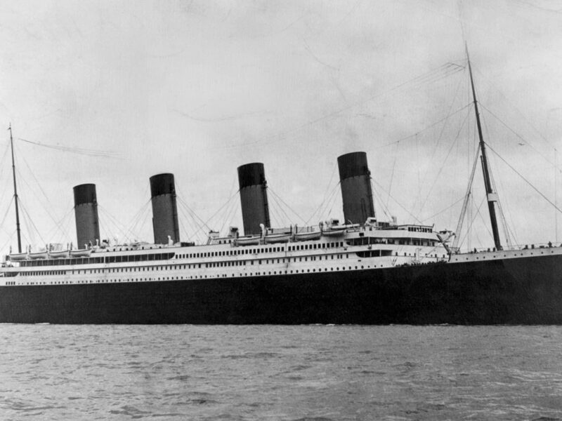 On a historical night, the 'TMS Titanic' sank into the North Atlantic. But what's going on with this iceberg? See the new detail unveiled by experts!