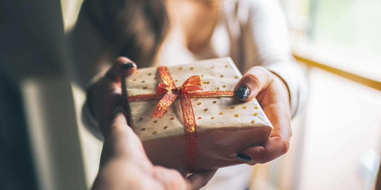 Who doesn't love free stuff? As a token of appreciation, gifts for clients are a must for businesses. Check out these unique ideas now!