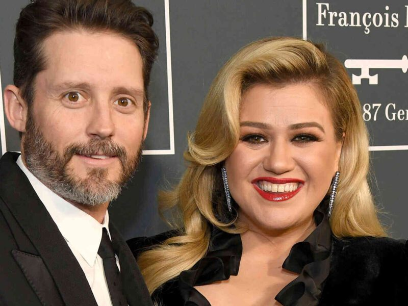 Could the net worth of Kelly Clarkson be decreasing due to her divorce with ex-husband Brandon Blackstock? Let's find out!