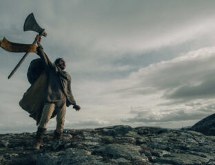 Will 'The Green Knight' actually be good, or will it be another bad King Arthur remake? Dive into Sir Gawain's backstory and see what critics are saying.