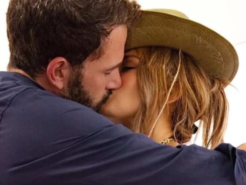Seeing Jennifer Lopez engaged to Ben Affleck would be the perfect way to end 2021. This year so far has already been such a great time for the power couple to rekindle their love.