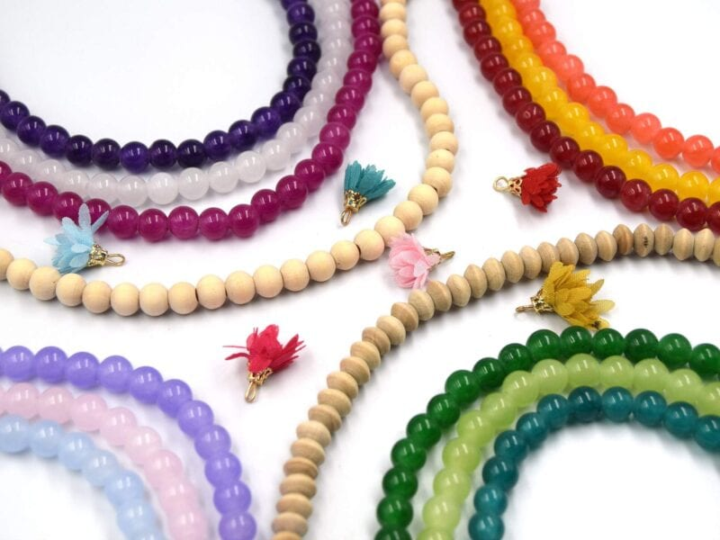 We all love jewelry making kits. Find out which jewelry making kits are the best to purchase for kids.