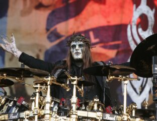 Slipknot founding member Joey Jordison has met his tragic end. Uncover the 911 call leading to his discovery and the shocking details within.