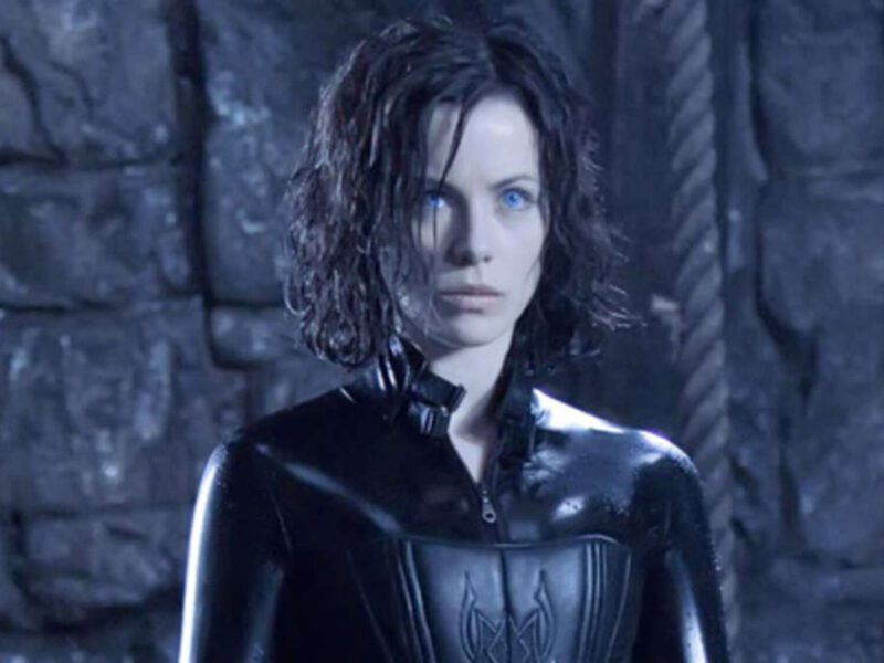 Do you remember the 2012 film 'Underworld: The Awakening'? Kate Beckinsale wants a crossover with 'Blade'. Here's why.