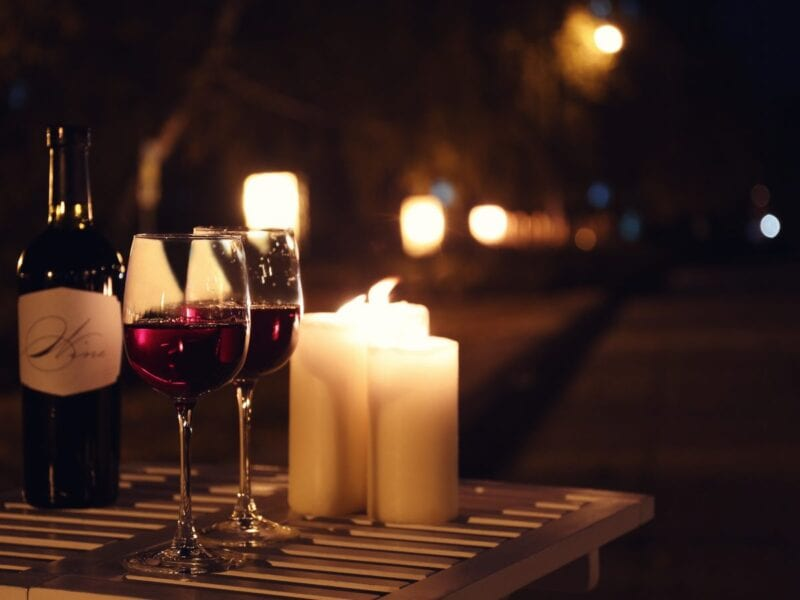 We all want our dates to go smoothly. Here are some tips on how to organize a luxurious date that you will never forget.