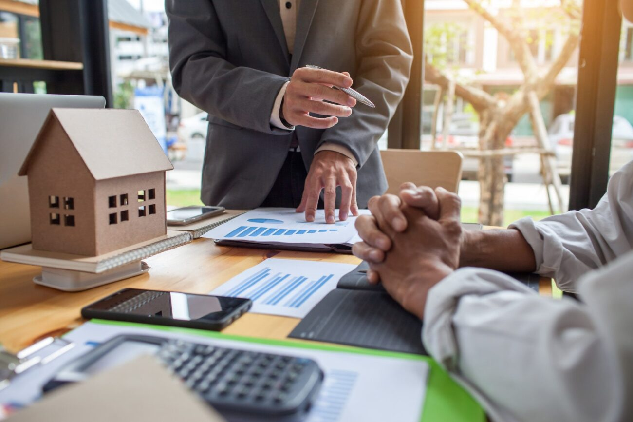 Do you want to become a mortgage broker? Find out how to pursue a career as a broker with these tips.