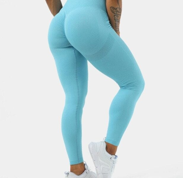 Halara leggings are some of the most comfortable and useful on the market. Learn more about the lifting legging brand here.