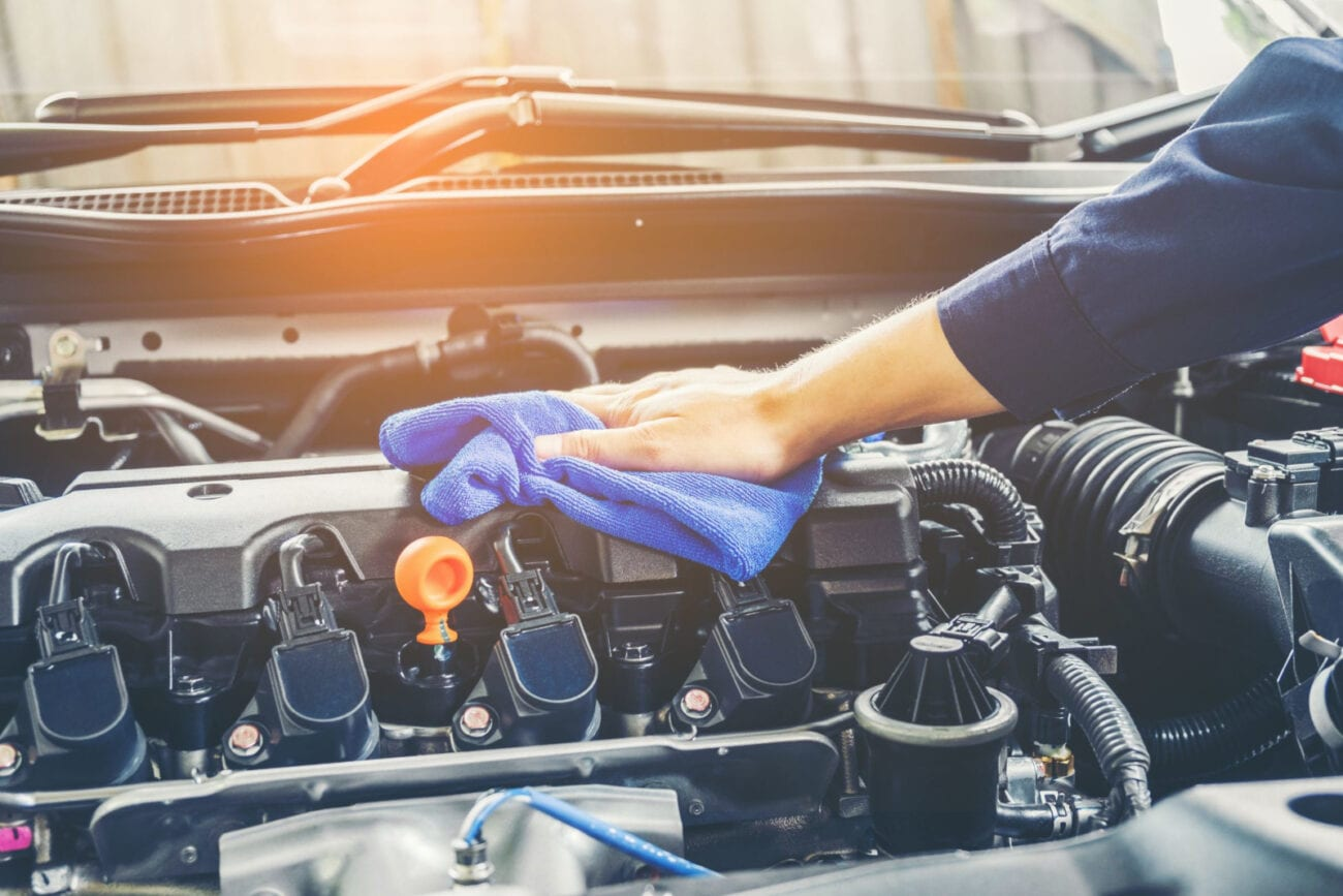 Some people may tell you that you should not wash your car engine with a pressure washer. But it's actually one of the quickest and most effective ways of cleaning it.