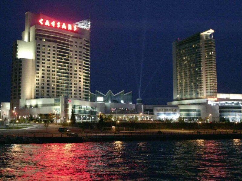 When people take a trip to Canada, they often miss out on going to some amazing casinos. Don't miss these top-notch resorts during your next trip.