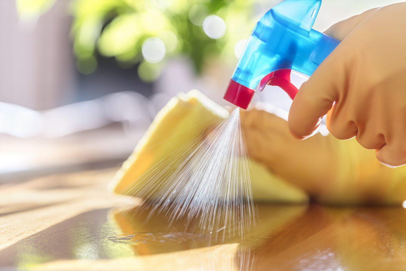 Do you struggle with keeping your home spotless and clean? Improve your habits with these cleaning tips from the commercial cleaner's playbook