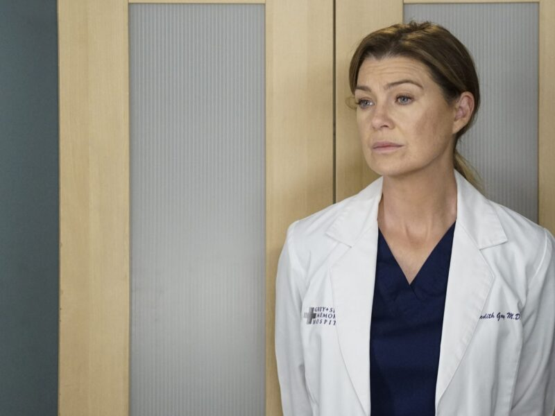 'Grace and Frankie' actor Peter Gallagher joins the new season of 'Grey's Anatomy'. Get the details on his character's connection to Mere's mom.