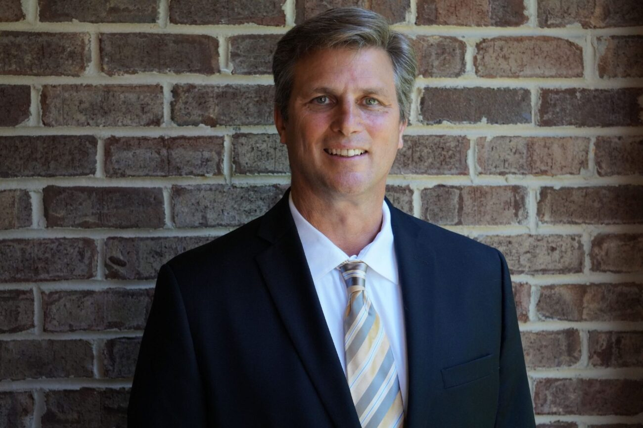 Do you need an attorney? Find out how to hire one from Charles Emmett Harris and get a quick and easy solution to your legal problems today.