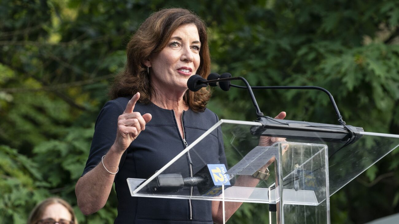 Kathy Hochul, the soon-to-be replacement of the disgraced Cuomo seems to be all business! But where do all the Andrew Cuomo Twitter reactions stand today?
