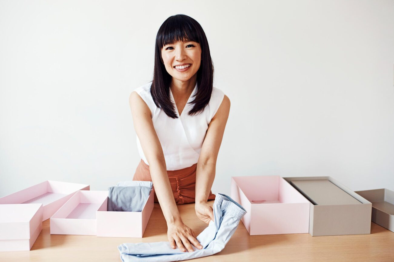 Desperately need to get your life together? See Marie Kondo save the world through her perfect fold in 'Sparking Joy with Marie Kondo' trailer.