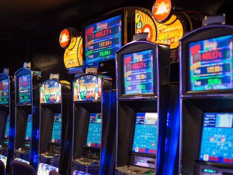 Are online casinos really safe? How do slots work online, exactly? Let us break it down for you in our handy dandy guide to playing safely online!