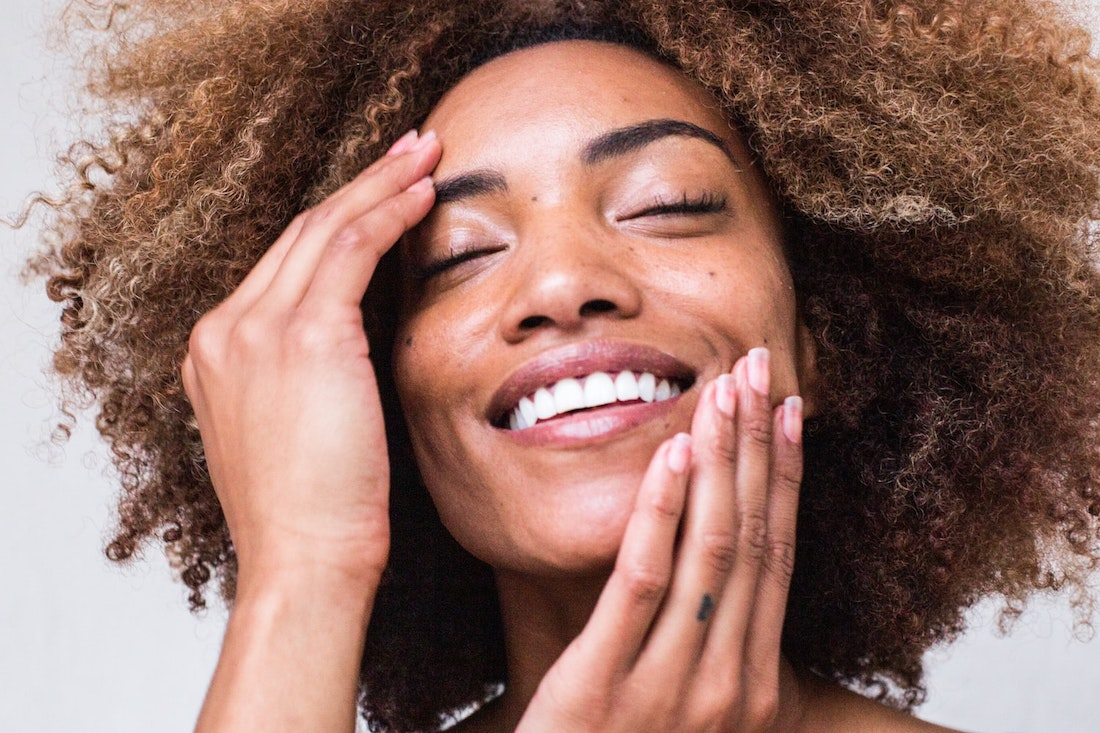 Heat, cold, and UV rays all are a death sentence for your youthful glow. Keep dry skin at bay and prevent it altogether with these tips!