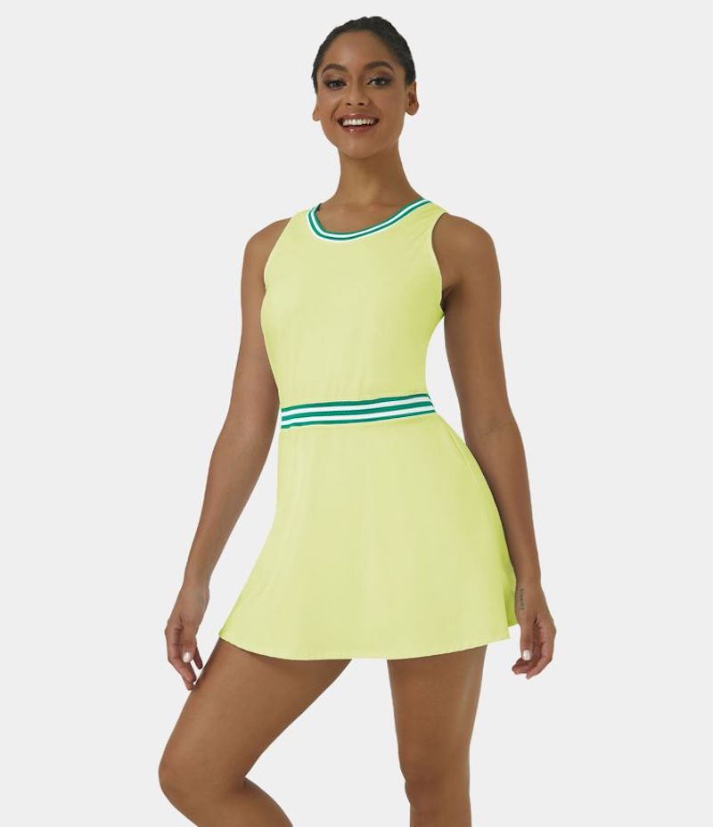 Planning on going back to the gym? Here's what to wear and not to wear, women's edition. Run through our checklist and take what you need to work out!