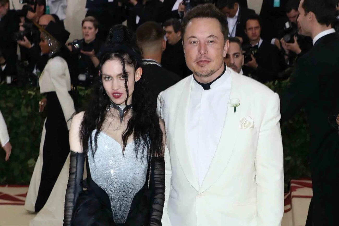 Magnate Elon Musk and musician Grimes have finally called it quits. Launch into the story and see why the couple broke up after three years together.