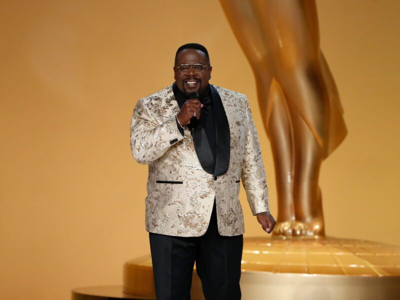 After Cedric the Entertainer's shocking jokes at the Emmys, many believe the remarks were insensitive to Meghan Markle & Prince Harry's painful experience.