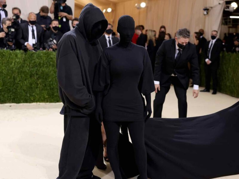 Kim Kardashian saw the memes and she is loving them! Get back on the red carpet and dive into these amazing memes!