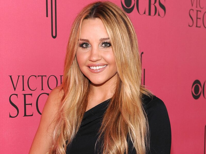 Amanda Bynes seems to be back on IG! But could recent posts hint that she's falling off the rails once more? We're on team #FreeAmanda.