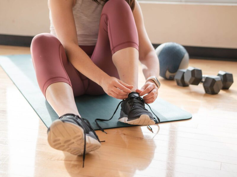 Are you looking to shed those pandemic pounds but you're not ready to return to the gym just yet? Check out our guide to hiring an at-home personal trainer!