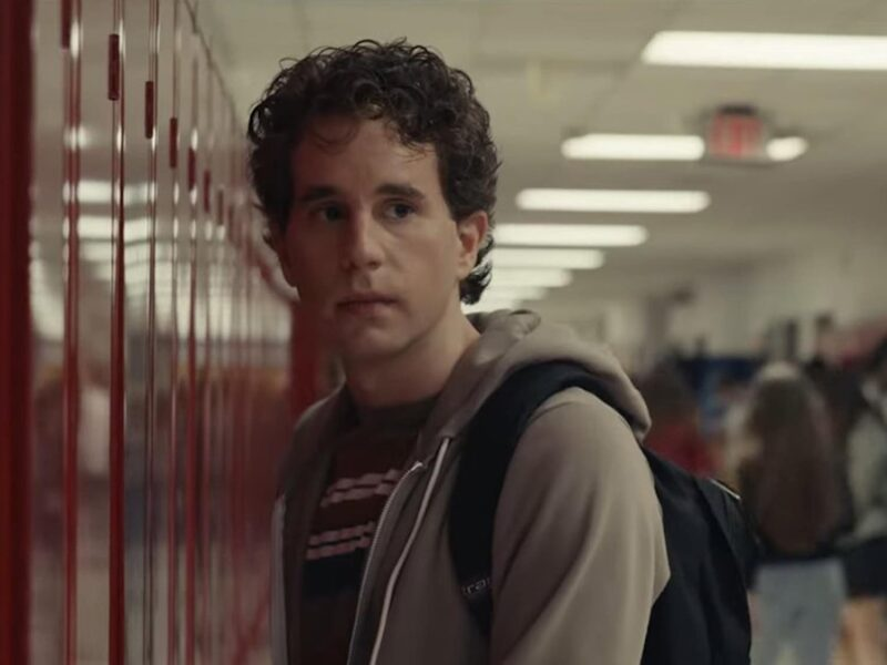 No one is enjoying the adaptation of 'Dear Evan Hansen', but why? See if the cast of the musical movie is to blame here.