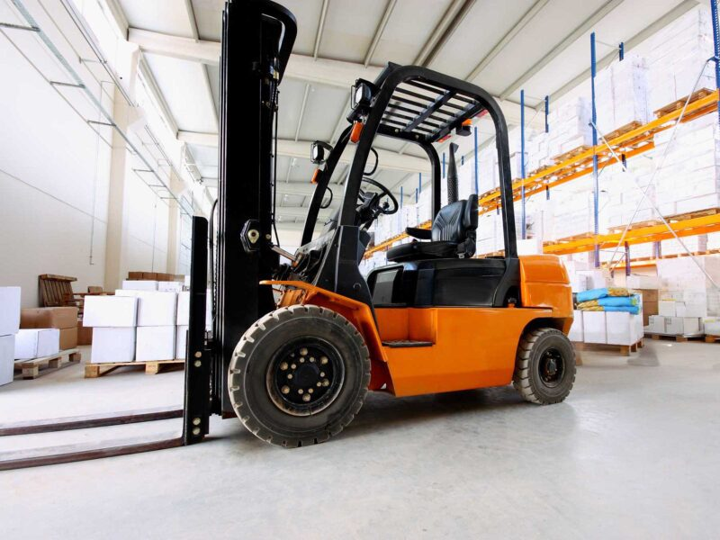 You might think that operating a forklift is just like driving a car. If you did think that, you would be wrong! Check out all the ways they are different!
