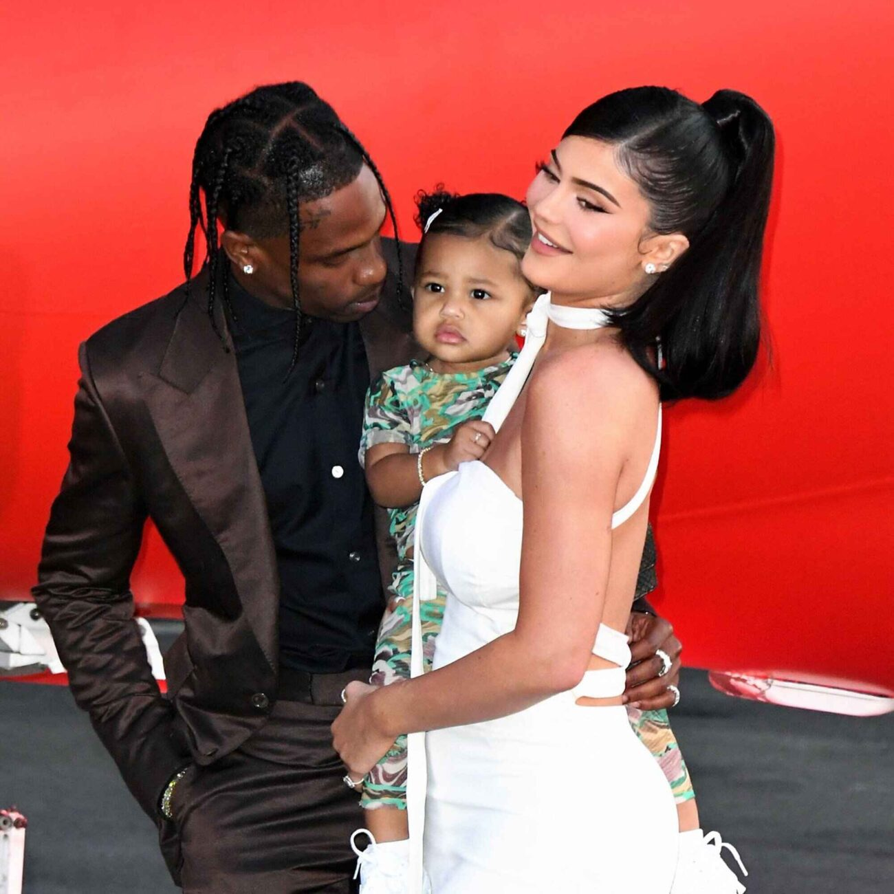 It finally happened: Kylie Jenner is pregnant again! Pick a proper baby shower gift and learn all about the superstar's official announcement!