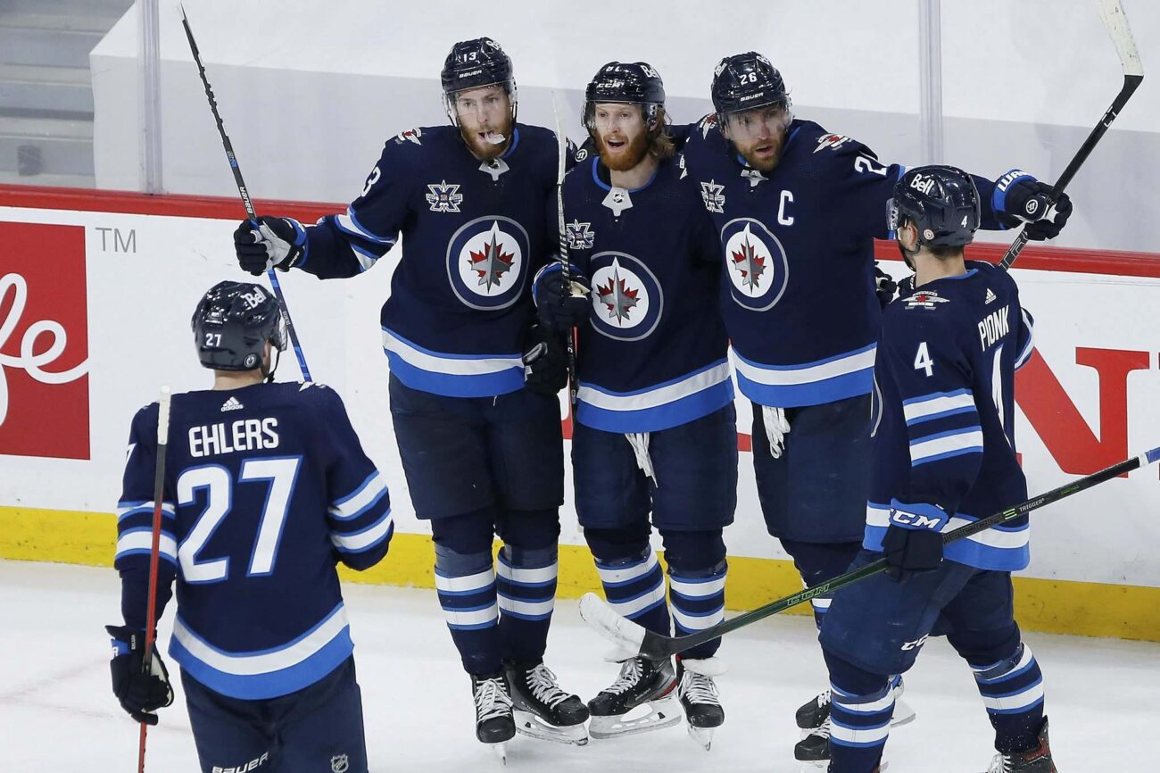 Want to grab Winnipeg Jets tickets and get a great deal this season? Score super offers when you check the schedule for upcoming home and away games.