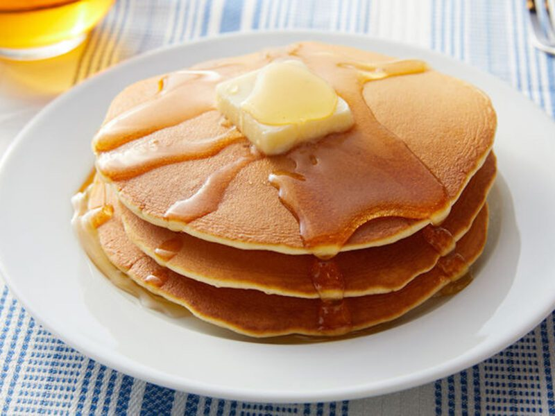 Which fast food chain has the best pancakes? Twitter debates between IHOP and Cracker Barrel to see which takes the crown.