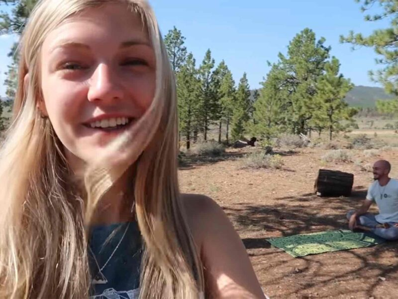 New bodycam footage in the case of Gabby Petito gives more insight in the days leading up to her disappearance. See the footage.