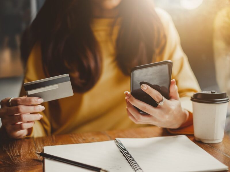 Online shopping can sometimes be confusing. Here are some safe tips to consider when shopping online in Israel.