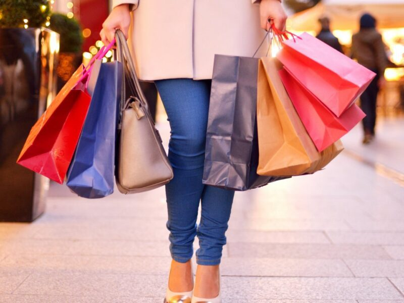 There's hardly anything more fun than taking your friends on a shopping spree. Make the most of your next trip with these insightful shopping tips.