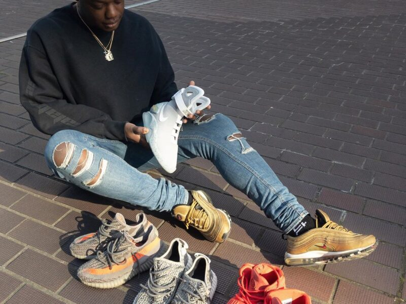 Kola Tytler is the founder of dropout, a business specialized in the sale of limited edition sneakers. Learn more about Tytler here.