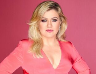 Kelly Clarkson received a major win in the divorce settlement with her ex-husband. Despite a long-winded divorce, the net worth of the singer remains grand.