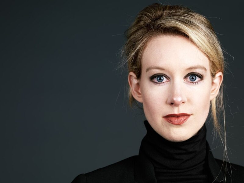 Is it true that Elizabeth Holmes was trying to imitate Steve Jobs to gain investors for her fraudulent biotech company? See who Elizabeth Holmes really is.