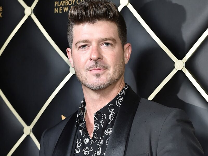 """Model Emily Ratajkowski claims that Robin Thicke groped her on the set of the hit track """"Blurred Lines"""". Read the full statement by the model here."""