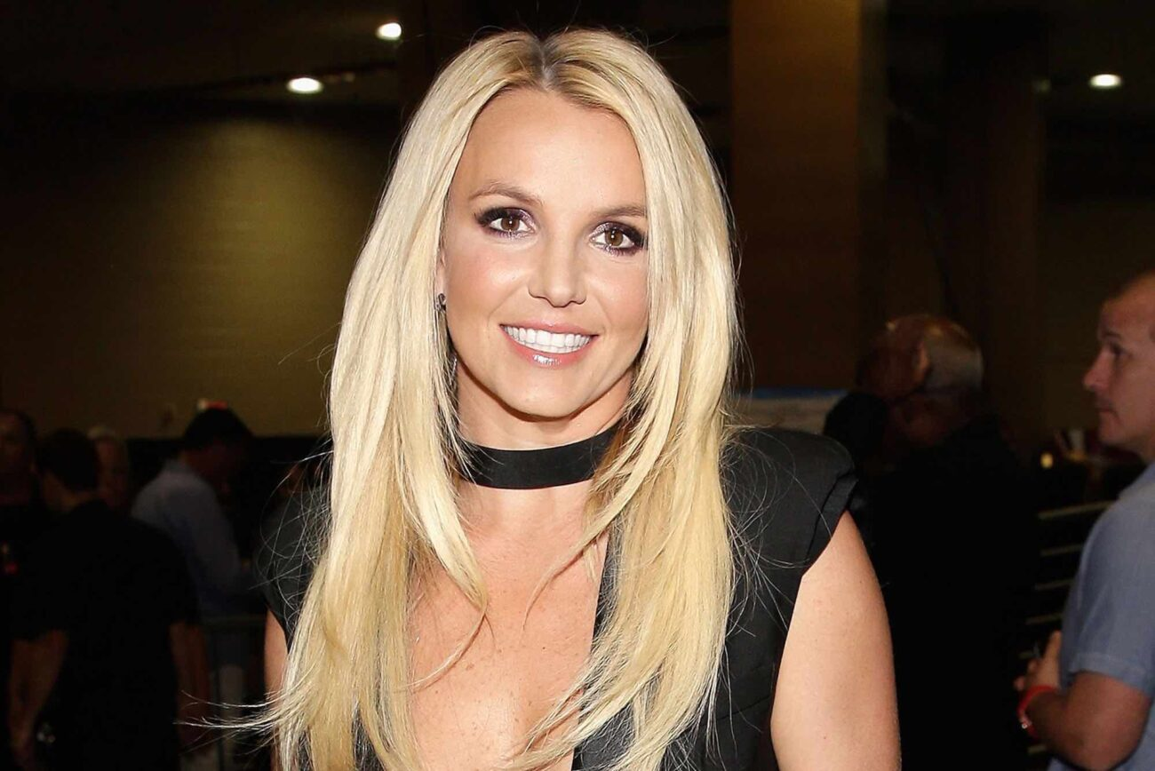 """Is Britney Spears' naked online photos real or Photoshopped? Join in for a look at if the pop star is """"cleaning up"""" some hot images of herself."""