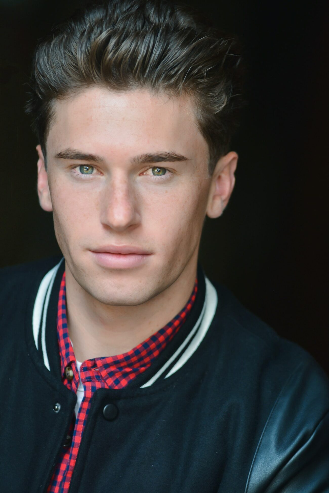 Carter Glade is a rising show business start who you can see in 'Freaky,' 'Her Deadly Boyfriend,' and 'Better Call Saul.' Meet the talented man today.