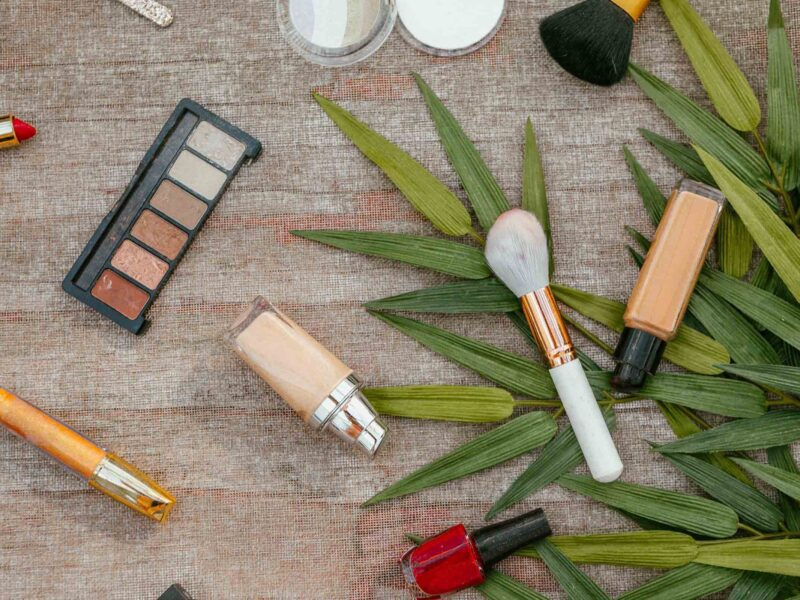 How cosmetic boxes can be upcycled or reused in the most creative ways? This blog gives plenty of eco-minded ideas to recycle packaging and conserve resources.