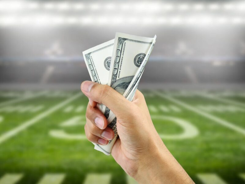 Handicap betting takes advantage of varying odds of victory to maximize your return. Win big the next time you sit down to watch football with these tips.