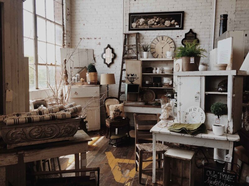 If you're looking to buy second hand furniture in London then you have got to go to King Office Furniture. Dive into the details about this great shop!