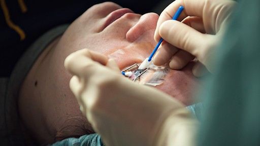 Lasik surgery and Femto surgery are both viable options for optic surgeries. Learn more about these operations with these facts.